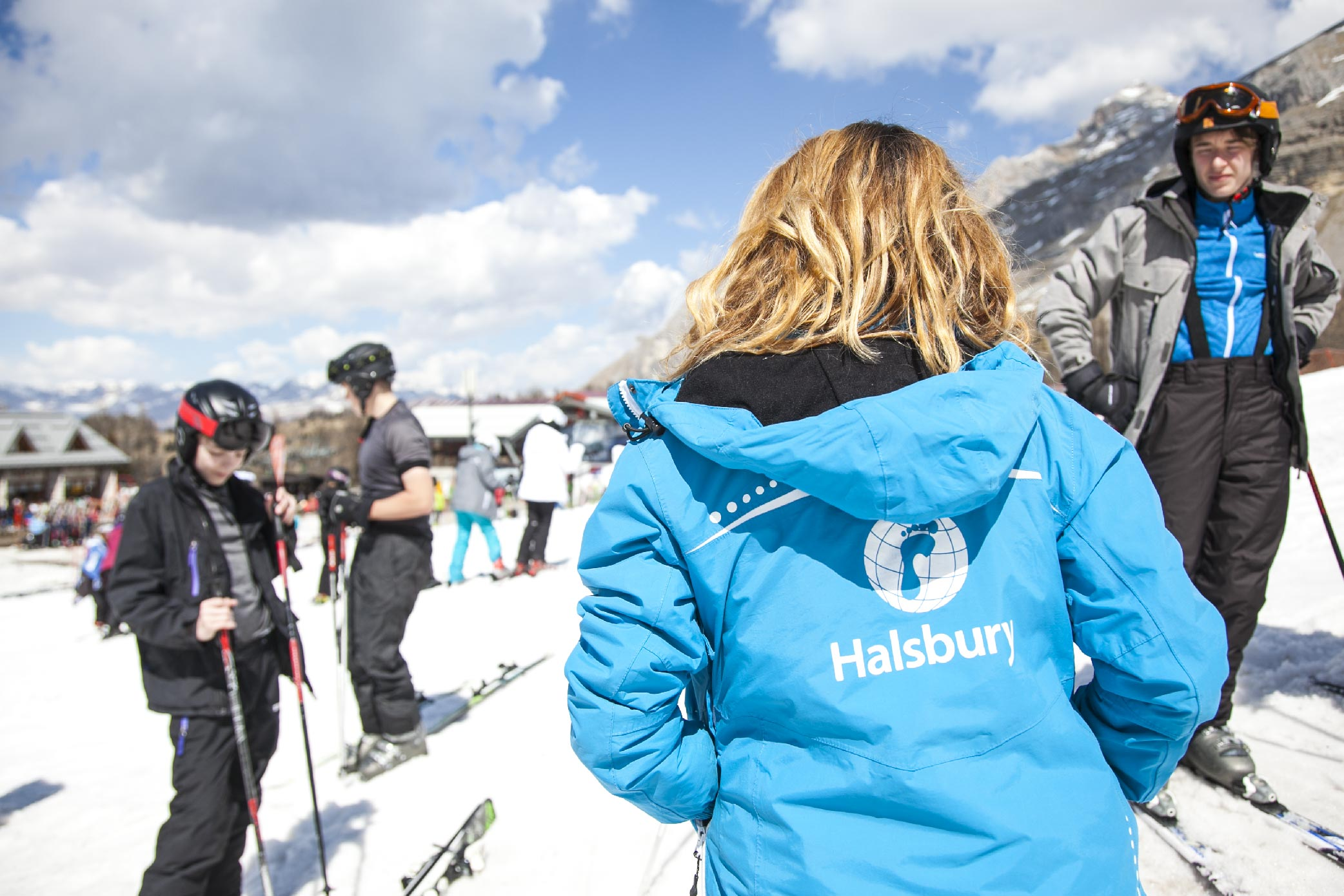Who are Halsbury Ski-06